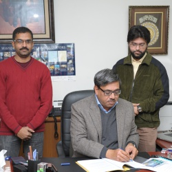 Signature of Dr hafeez 14-12-2012